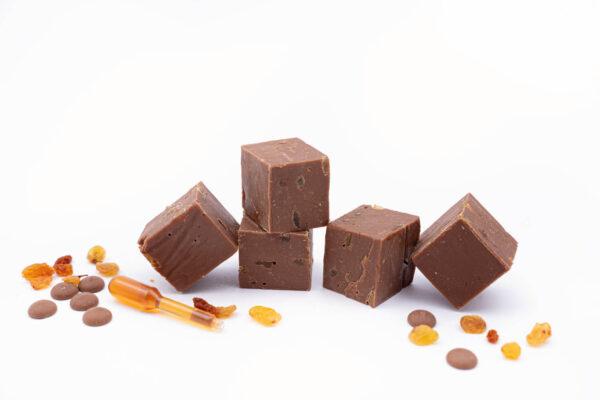 5 bucatele de fudge de ciocolata cu rom si stafide